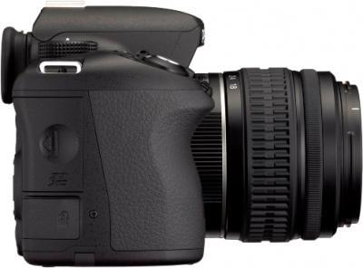 Зеркальный фотоаппарат Pentax K-500 Kit (DA L 18-55mm, Black) - вид справа