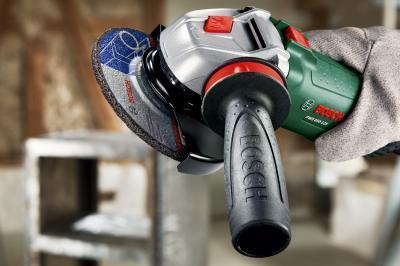 Угловая шлифовальная машина Bosch PWS 850-125 (0.603.3A2.720) - в работе