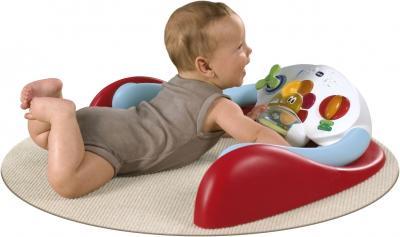 Гимнастический центр Chicco I-Gym - ребенок на коврике