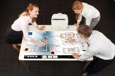 Проектор Epson EB-1410Wi - проекция на стол