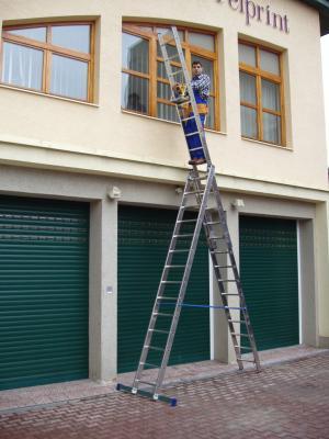Лестница-стремянка Elkop VHRP3x17 - в работе