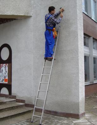 Приставная лестница Elkop VHR H1х9 - в работе