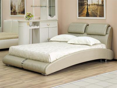 Двуспальная кровать Королевство сна BOLD (160x200 античный золотой) - в интерьере