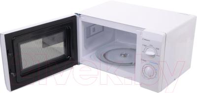 Микроволновая печь Midea MM720CFB - с открытой дверцей