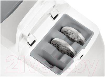 Мясорубка электрическая Bosch MFW45020 - хранение насадок