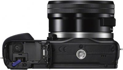 Беззеркальный фотоаппарат Sony NEX-3NYB - вид снизу
