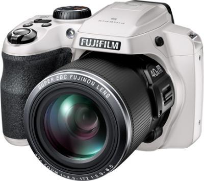 Компактный фотоаппарат Fujifilm FinePix S8200 (White) - общий вид