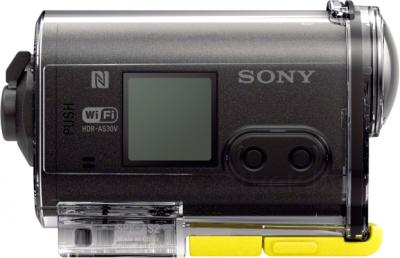 Экшн-камера Sony HDR-AS30VE - вид сбоку в защитном корпусе