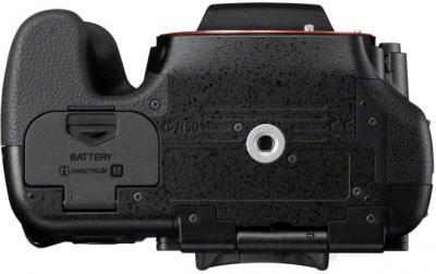 Зеркальный фотоаппарат Sony Alpha SLT-A65X - вид снизу