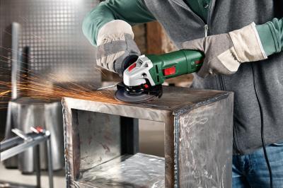 Угловая шлифовальная машина Bosch PWS 750-115 (0.603.3A2.421) - в работе