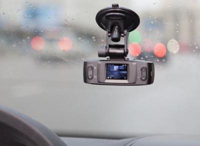 Автомобильный видеорегистратор ParkCity DVR HD 340 - в автомобиле