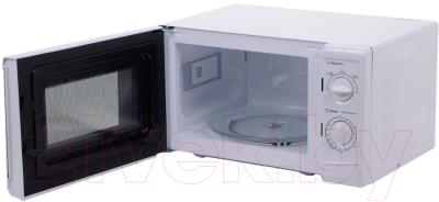 Микроволновая печь Midea MM720CWW - с открытой дверцей