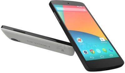 Смартфон LG Nexus 5 16Gb / D821 (белый) - задняя и передняя панели полубоком