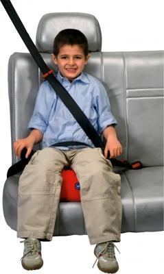 Бустер Chicco Quasar Plus (Fuego) - ребенок в кресле