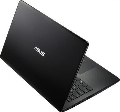 Ноутбук Asus X502CA-XX169D - вид сзади
