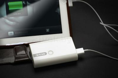 Портативное зарядное устройство Atomic SD326 (White) - зарядка планшета
