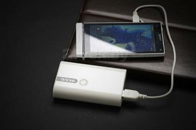 Портативное зарядное устройство Atomic SD326 (White) - зарядка телефона Sony