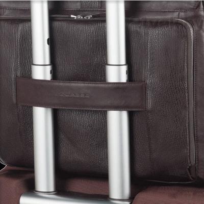 Сумка для ноутбука Piquadro Kripto (CA2907S59/TO) - крепление на чемодане