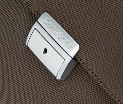 Кейс для ноутбука Samsonite X'Blade Business (V71*03 101) - металлическая застежка