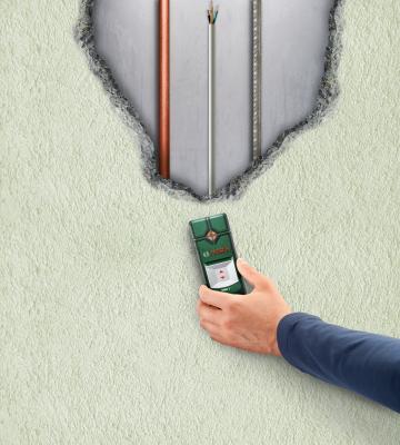 Детектор скрытой проводки Bosch PMD 7 (0.603.681.121) - в работе