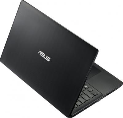 Ноутбук Asus X552CL-XX215D - вид сзади