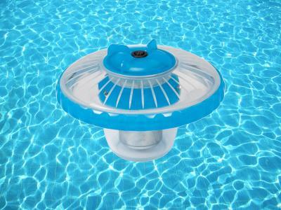 Подсветка для бассейна Intex 28690 - на поверхности бассейна