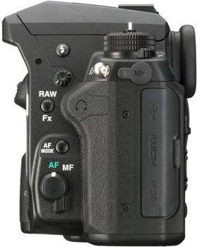 Зеркальный фотоаппарат Pentax K-3 Body (черный) - вид камеры сбоку