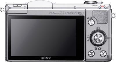 Беззеркальный фотоаппарат Sony Alpha ILCE-5000L (Silver) - вид сзади