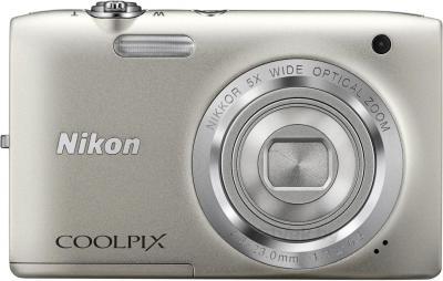 Компактный фотоаппарат Nikon Coolpix S2800 (серебристый) - вид спереди