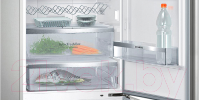 Холодильник с морозильником Siemens KG49NAI22R