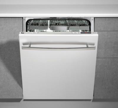 Посудомоечная машина Teka DW7 67 FI - пример встраивания