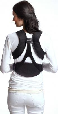 Эрго-рюкзак BabyBjorn Miracle Cotton Organic 0960.47 (черно-коричневый) - на спине (цвет Black-Silver)