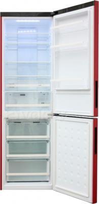 Холодильник с морозильником Haier C2FE636CRJRU - с открытой дверцей