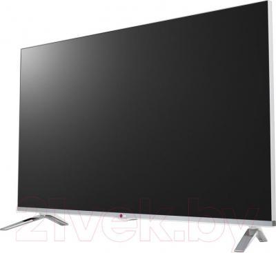 Телевизор LG 42LB677V - вполоборота