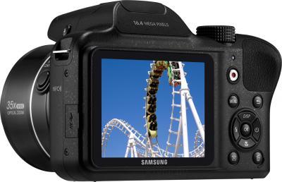 Компактный фотоаппарат Samsung WB1100 (Black) - дисплей