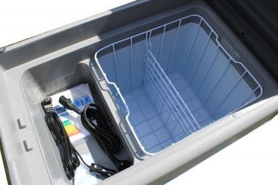 Автохолодильник Waeco CoolFreeze CFX-40 - внутри