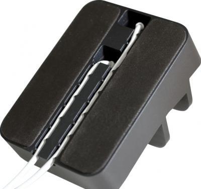 Док-станция для портативных устройств Everdock Duo Black - вид снизу