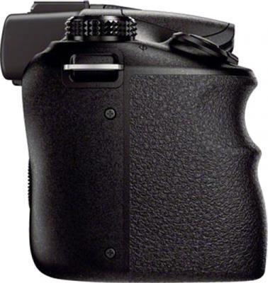 Беззеркальный фотоаппарат Sony ILC-E3500J - вид сбоку