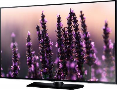 Телевизор Samsung UE32H5500AK - вполоборота