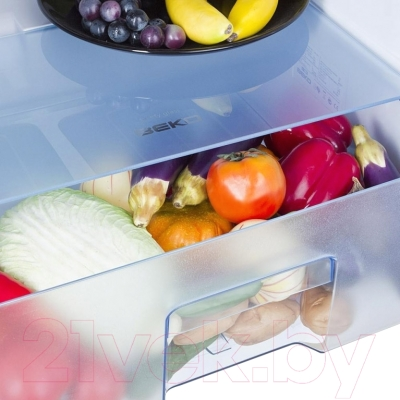 Холодильник с морозильником Beko DS328000