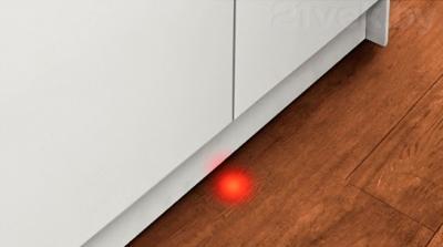 Посудомоечная машина Bosch SMV69T50RU - луч на полу