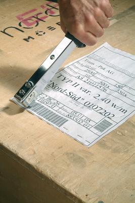 Механический степлер Bosch HMT 53 (0.603.038.002) - в работе