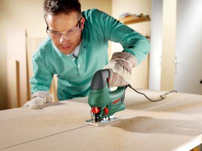 Электролобзик Bosch PST 750 PE (0.603.3A0.521) - в работе