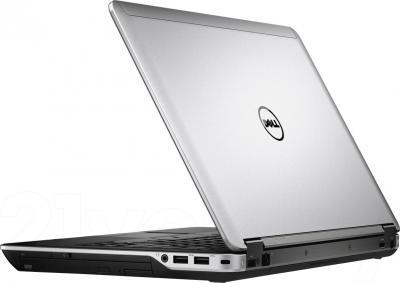 Ноутбук Dell Latitude E6440 (CA020LE64408RUS) - вид сзади