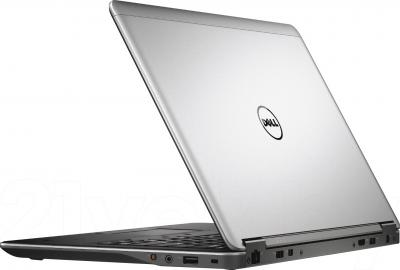 Ноутбук Dell Latitude E7440 (CA022RUSSIALE74406RUS) - вид сзади