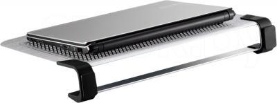 Подставка для ноутбука Cooler Master NotePal U3 Plus Silver (R9-NBC-U3PS-GP) - вид сбоку с ноутбуком
