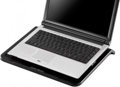 Подставка для ноутбука Cooler Master NotePal L1 (R9-NBC-NPL1-GP) - с ноутбуком
