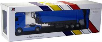 Радиоуправляемая игрушка Rui Chuang Mercedes-Benz Actros QY1101C (синий) - в упаковке