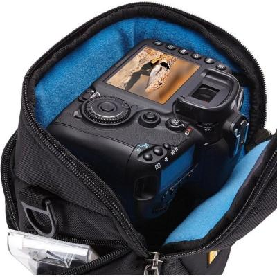 Сумка для фотоаппарата Case Logic Luminosity DSLR Zoom Holster (DSH-102) - внутри