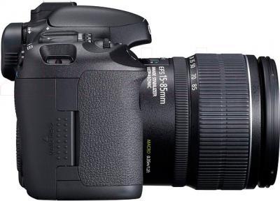 Зеркальный фотоаппарат Canon EOS 7D Kit 15-85mm IS - вид сбоку